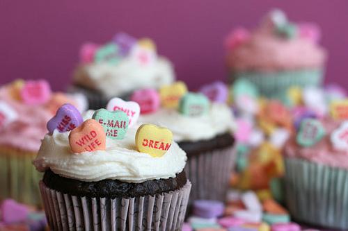 Conversation-Heart-Cupcakes